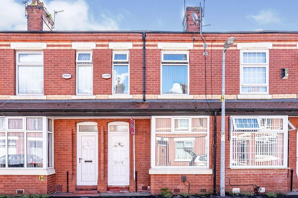 4 Bedroom Mid Terrace House To Rent Romney Street Salford Greater Manchester M6 1 600 Pcm