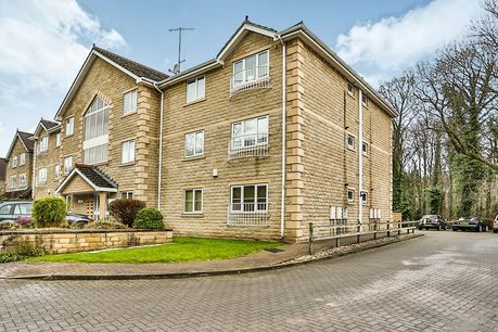 House for sale in Abbey Lane Dell with Reeds Rains