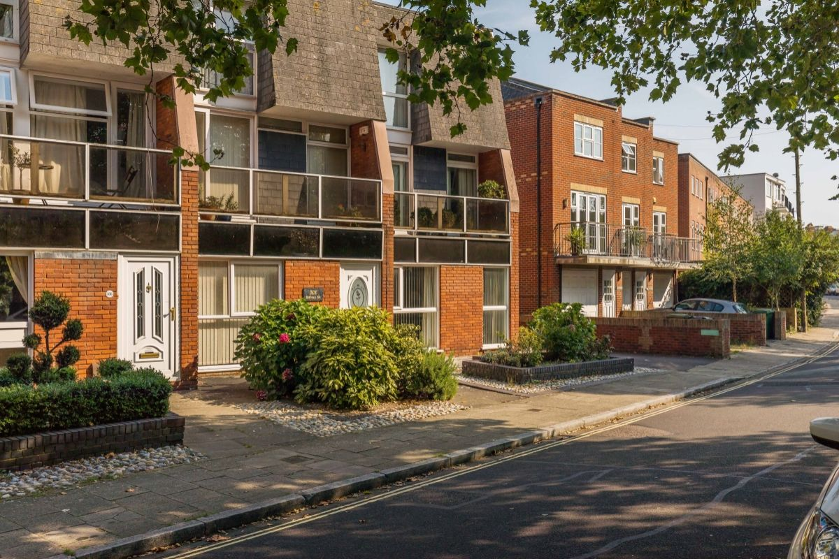 4 Bedroom House For Sale Malvern Road Southsea Hampshire Po5 499 500