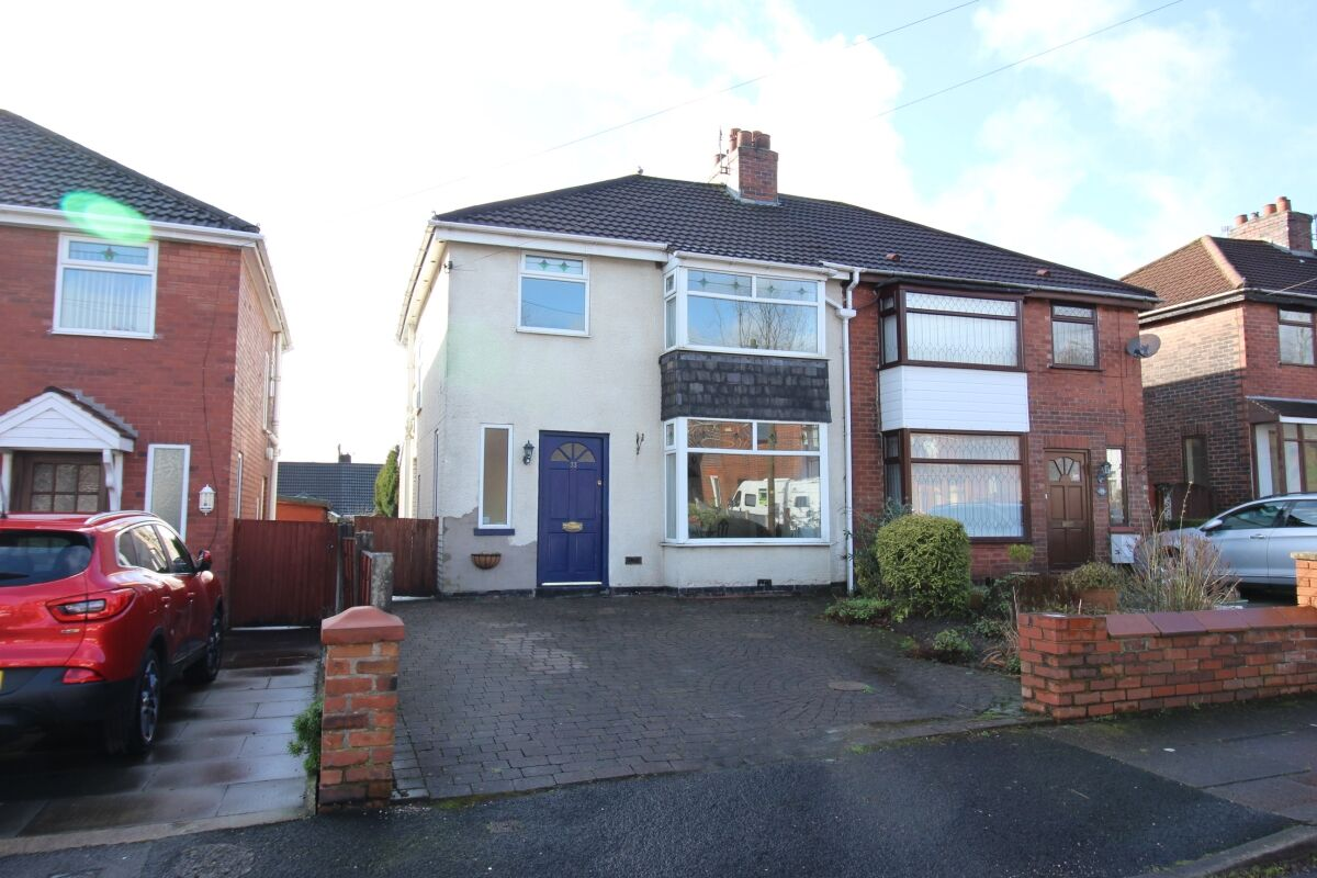 3 Bedroom Semi Detached House For Sale Hawthorn Avenue Bury