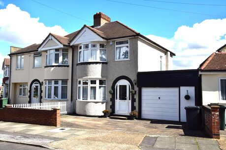 3 Bedroom House For Sale In Kent Reeds Rains