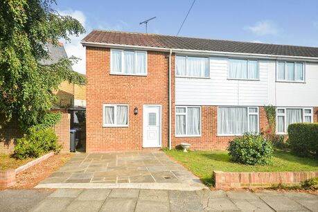 4 bedroom houses to rent in Kent - Your Move