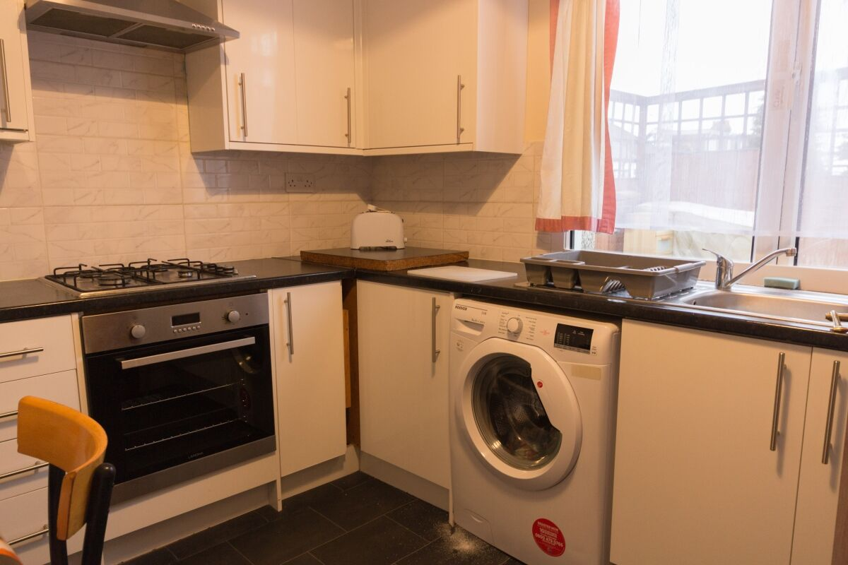 4 bedroom flats to rent in Camberwell - Your Move