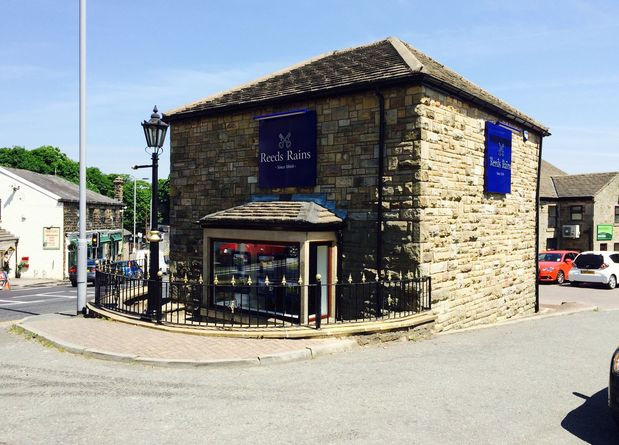 2015 RrainsRamsbottom.NEW EXTERIOR 2nd photo