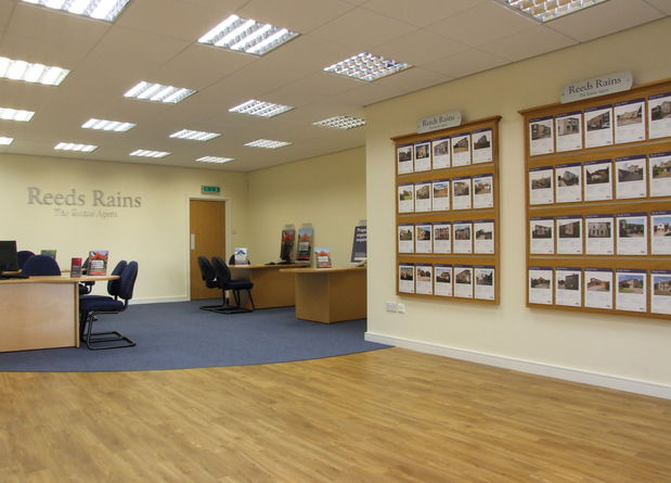 Bury Shop Internal  010