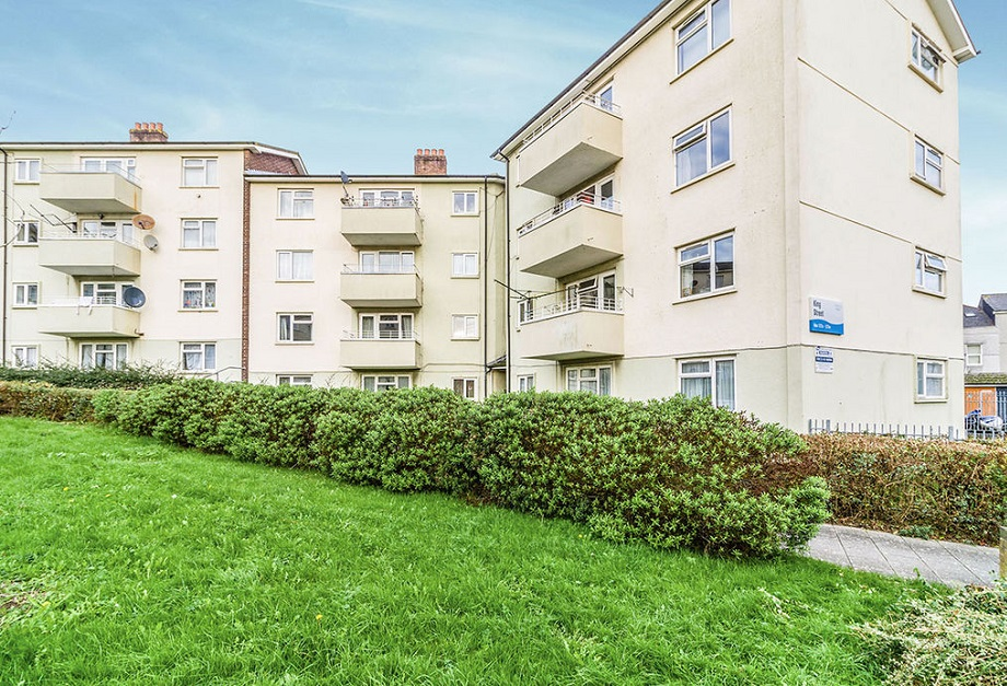 2 bed flat Plymouth