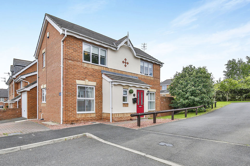 Three bedroom detached house for sale