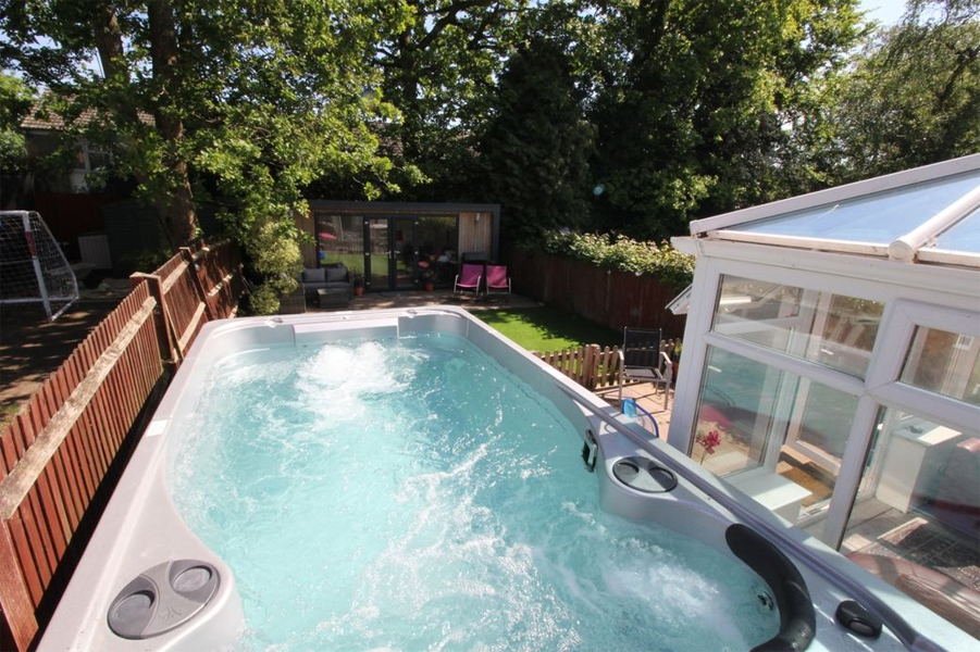 Top six with swimming pools or hot tubs